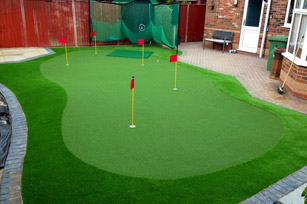 Private putting green, Lincoln
