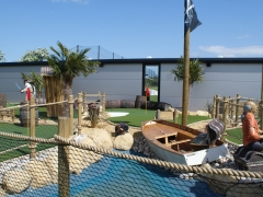 adventure golf pirate-four