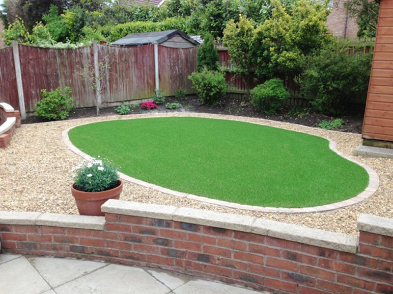 Low maintenance artificial lawn